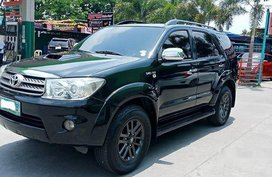 Selling Black Toyota Fortuner 2011 in Meycauayan