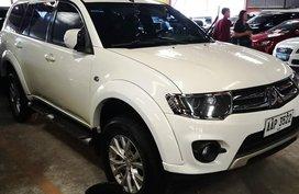 Selling White Mitsubishi Montero 2014 in Manila