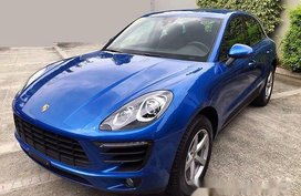 Blue Porsche Macan 2018 at 700 km for sale