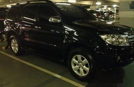 Sell Black 2009 Toyota Fortuner in Quezon City