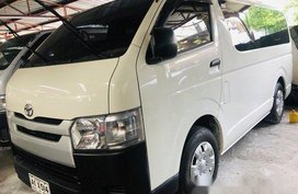 Selling White Toyota Hiace 2018 Manual Diesel