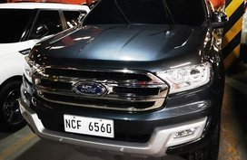 Selling Blue Ford Everest 2016 in Manila