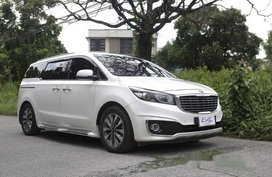 Sell White 2016 Kia Grand Carnival Automatic Gasoline at 58000 km