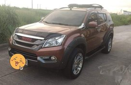 Brown Isuzu Mu-X 2015 at 70000 km for sale