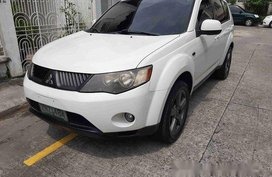 Sell White 2008 Mitsubishi Outlander in Manila