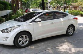 Selling White Hyundai Elantra 2012 Manual Gasoline