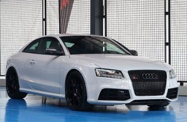 Sell White 2013 Audi Rs 5 at 42688 km