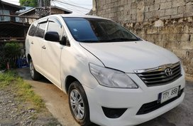 White Toyota Innova 2012 Manual Diesel for sale