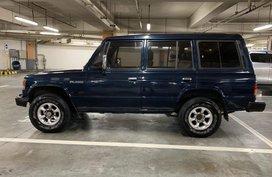 Selling Blue Mitsubishi Pajero 2005 Automatic Diesel