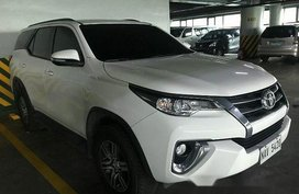 Sell White 2017 Toyota Fortuner at 15588 km