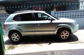 Selling 2nd Hand Hyundai Tucson 2009 at 64000 km