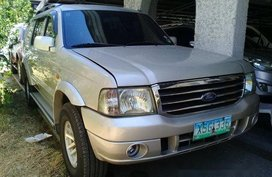 Selling Ford Everest 2004 at 170000 km