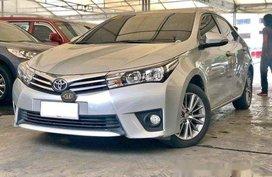 Silver Toyota Corolla Altis 2015 at 45000 km for sale