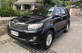 Sell Black 2014 Toyota Fortuner Automatic Diesel
