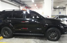 Selling Black Toyota Fortuner 2014 at 40000 km in Angeles