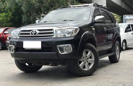 Black 2009 Toyota Fortuner Automatic Gasoline for sale