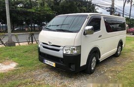 Selling Toyota Hiace 2016 Manual Diesel