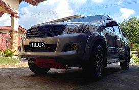 Sell Used 2015 Toyota Hilux Manual Diesel in Lipa