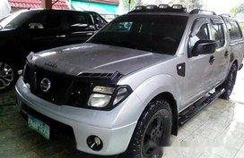 Selling Silver Nissan Frontier Navara 2008 at 80000 km
