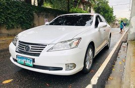 Sell White 2010 Lexus Es 350 at 69200 km