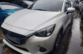 Selling White Mazda 2 2018 Automatic Gasoline