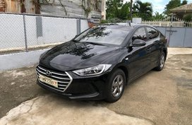 Selling Black Hyundai Elantra 2018 at 3600 km in Cavite