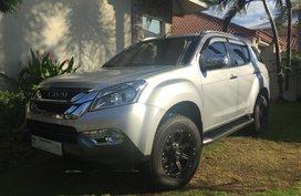 Sell Used 2017 Isuzu Mu-X Automatic Diesel at 16000 km