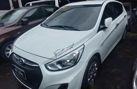 Sell White 2017 Hyundai Accent Automatic Diesel at 26000 km