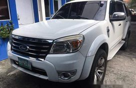 Sell White 2011 Ford Everest at 89000 km