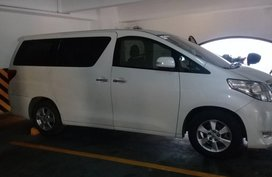 Selling 2nd Hand Toyota Alphard 2011 at 50000 km