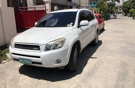 White Toyota Rav4 2007 Automatic Gasoline for sale