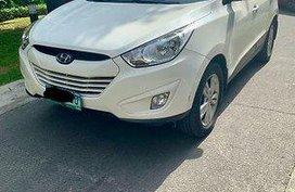 White Hyundai Tucson 2012 at 73000 km for sale