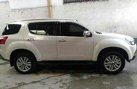 Sell White 2018 Isuzu Mu-X at 20000 km in Quezon City