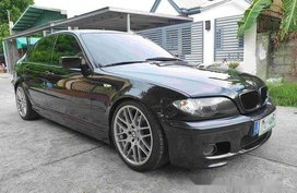 Black Bmw 318I 2004 at 100000 km for sale