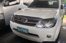 Selling Toyota Fortuner 2005 Automatic Gasoline in Makati