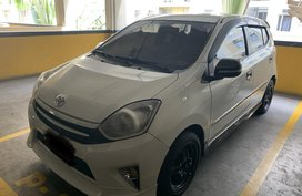 Selling White Toyota Wigo 2016 at 45000 km in