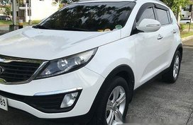 White Kia Sportage 2014 at 85000 km for sale