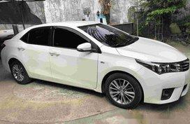 White Toyota Corolla Altis Automatic 2014 for sale