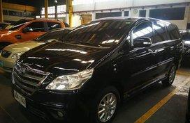 Selling Black Toyota Innova 2015 at 23222 km
