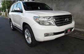 White Toyota Land Cruiser 2009 at 50001 km for sale