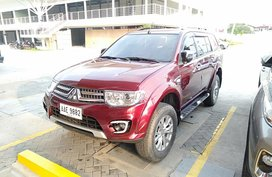 Selling Red Mitsubishi Montero Sport 2014 at 37000 km
