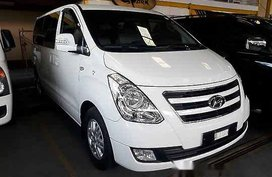 Selling Hyundai Grand Starex 2016 at 26232 km