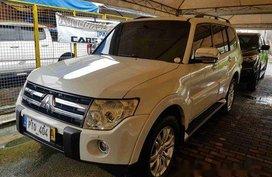 Sell White 2010 Mitsubishi Pajero in Cainta