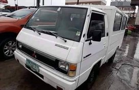 Sell White 2008 Mitsubishi L300 Manual Diesel
