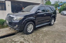 Black Toyota Fortuner 2014 at 60100 km for sale