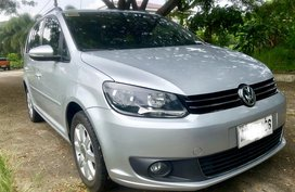 Sell 2nd Hand 2014 Volkswagen Touran Automatic Diesel at 27000 km