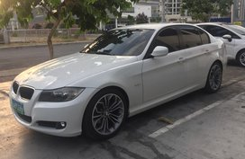 Sell White 2012 Bmw 318I Automatic Gasoline