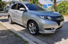 Selling Silver Honda Hr-V 2016 Automatic Gasoline