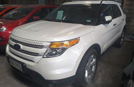 Sell White 2015 Ford Explorer Automatic Gasoline at 70000 km
