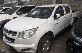 White Chevrolet Colorado 2014 at 73000 km for sale